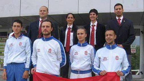 Karate reprezentacija Srbije: Dalibor Džunić, prvi s desna, u prvom redu