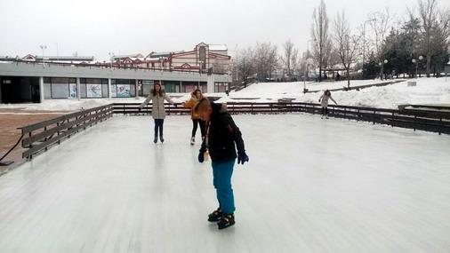 Prvi klizači u Boru / foto: Slađana Zahitović