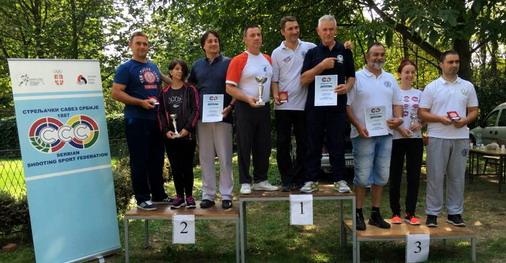 Tim SK Metalac na pobedničkom postolju (prvi s leva) / foto: SK Metalac