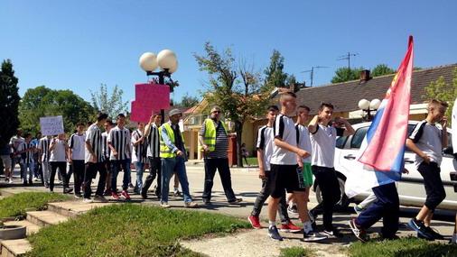 Protestna šetnja mladih fudbalera OFK Bor / foto: Ist Media