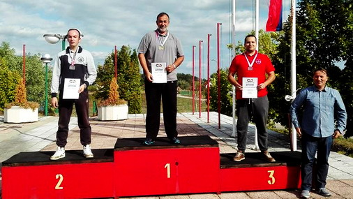 Goran Vranov na pobedničkom postolju sa zlatnim odličjem