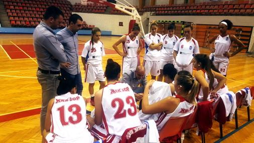Košarkašice Bora pred poslednju četvrtinu sa Studentom / foto: Promo ŽKK Bor